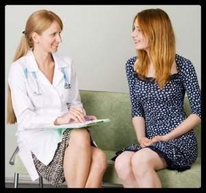 девушка на приеме врача